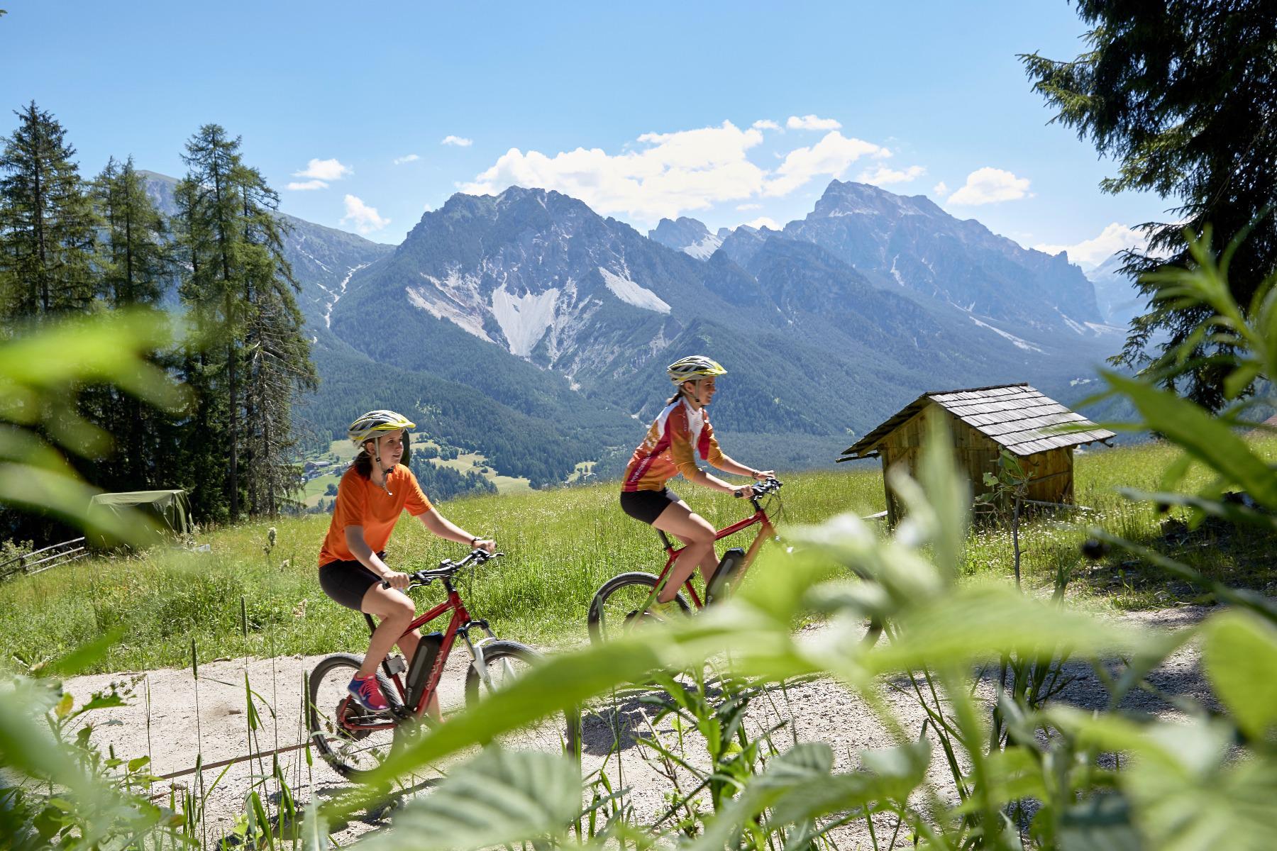 Pederü Single Trail Mountain Bike Tour mit Hans Wochenprogramm