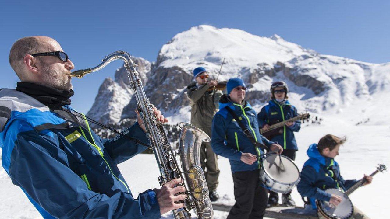 Event Swing on Snow
