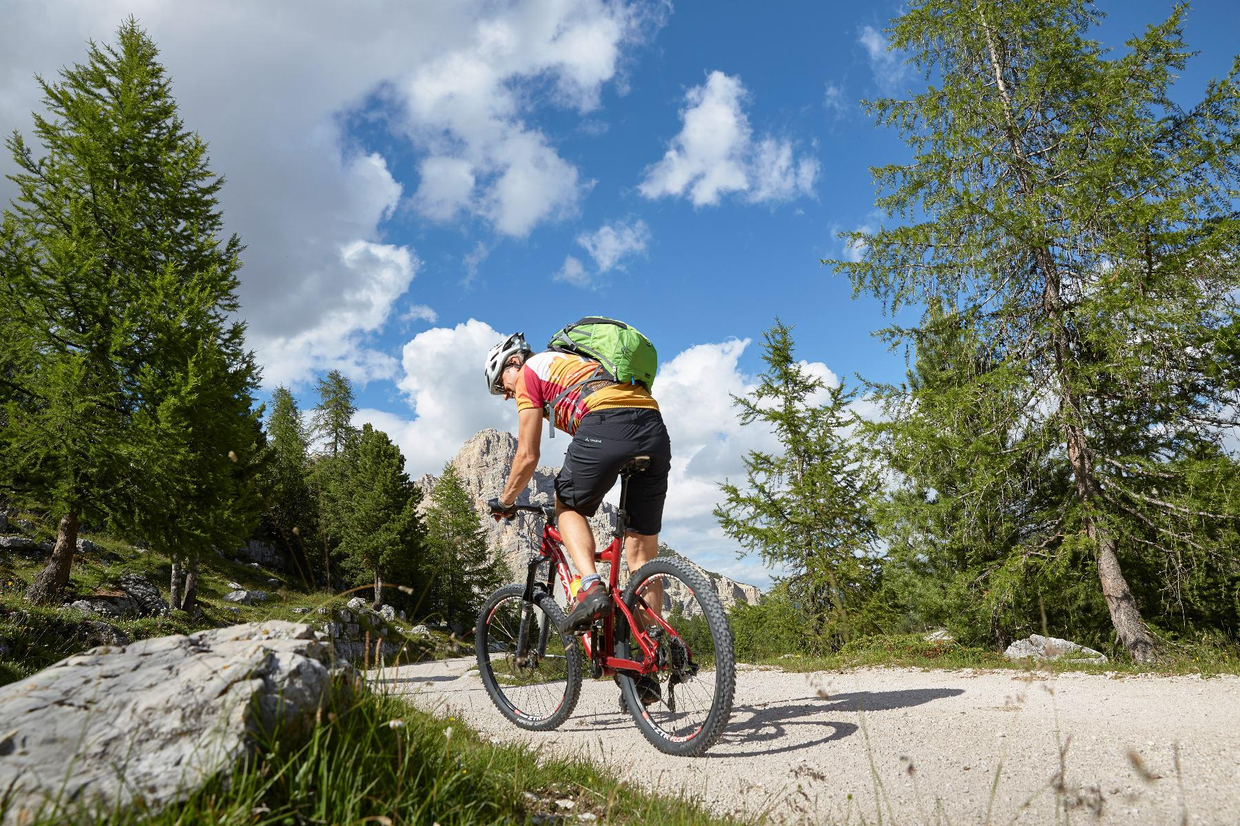 Single Trail Mountain Bike Tour with the Bike School week programm