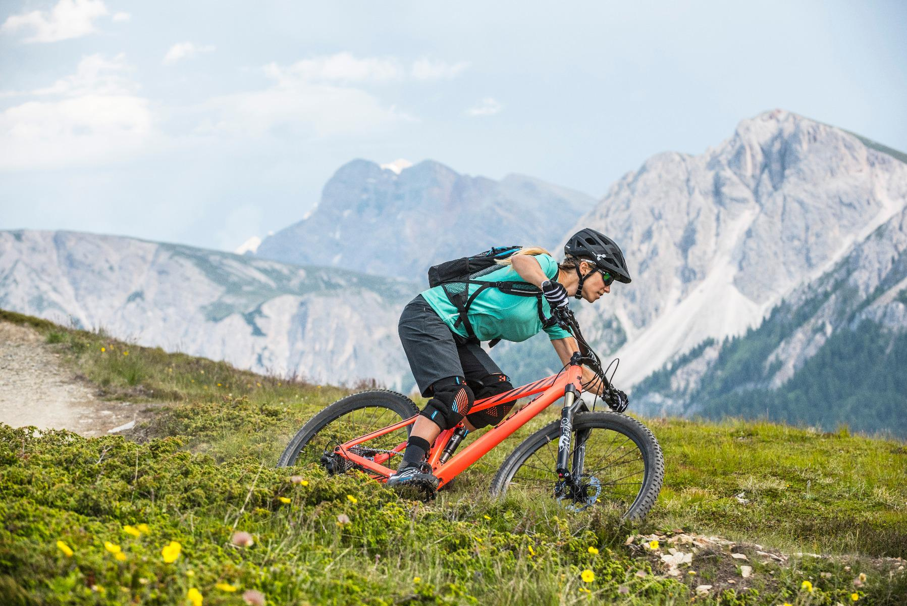 Single Trail to Plan de Corones with the Bike School week programm