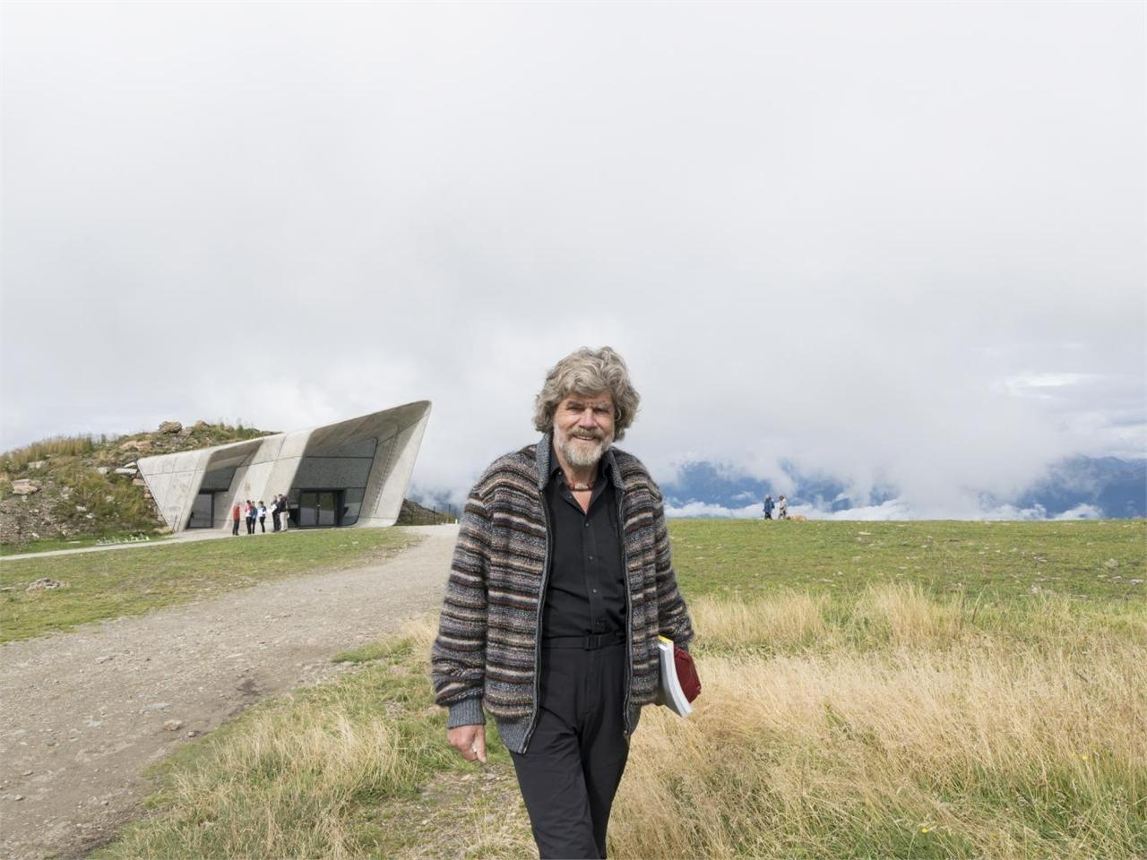 Meeting on the Summit with Reinhold Messner week programm