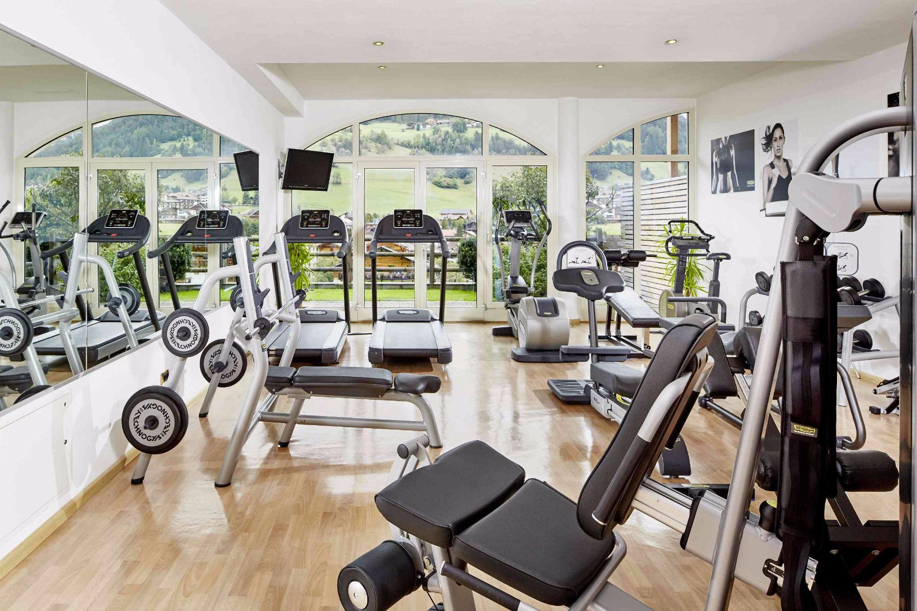 Assisted Training in the Fitness-Center with Markus week programm